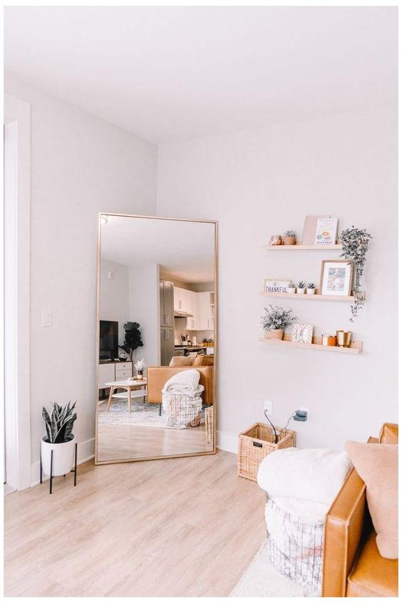 How to Design A Minimalist College Dorm Room