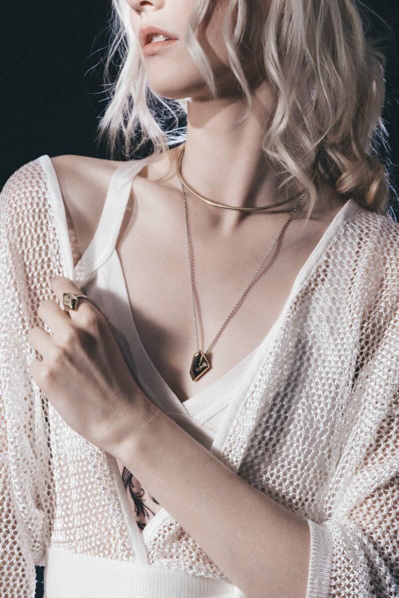 IANIKO - 12 Best Minimalist Jewelry Brands
