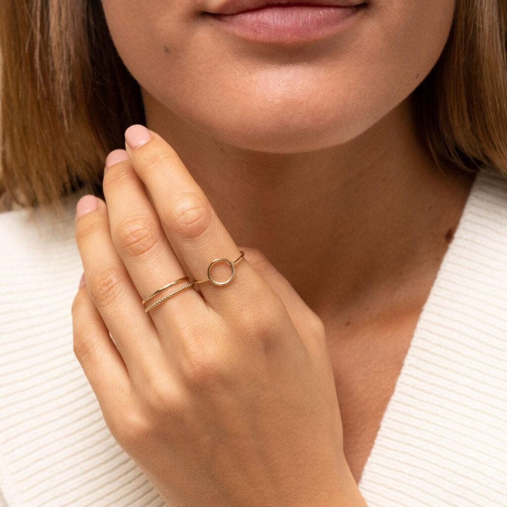 IANIKO - 12 Minimalist Jewelry Brands - Mejuri