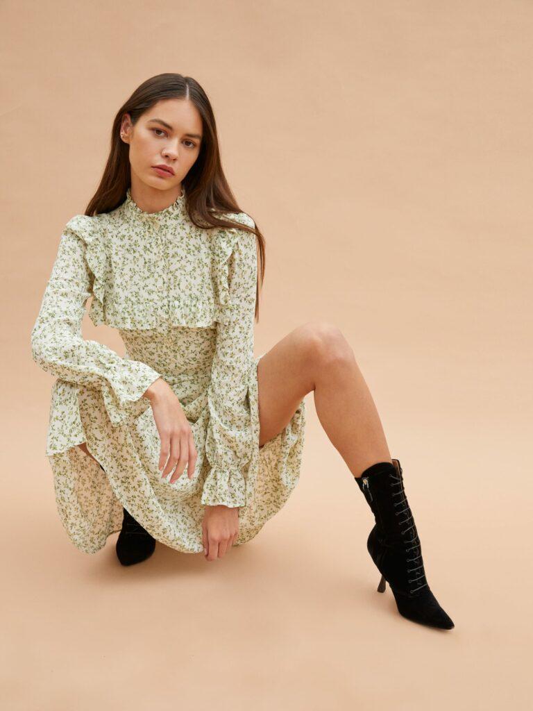 Best Affordable Minimalist Fashion Brands - Reformation