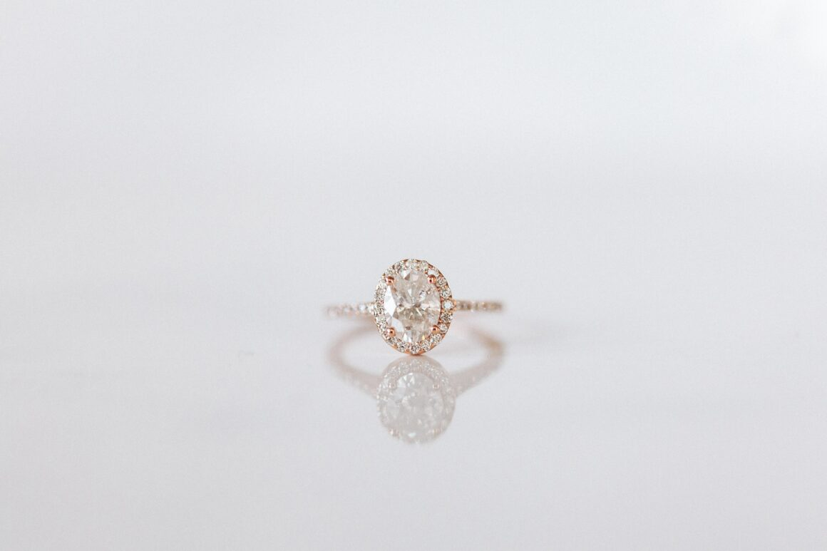 Conflict-Free Minimalist Engagement Ring Brands 5