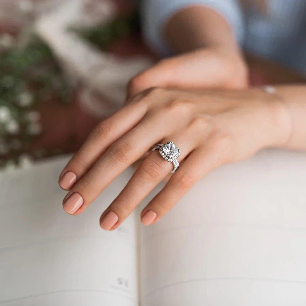 Conflict-Free Minimalist Engagement Ring Brands - MiaDonna