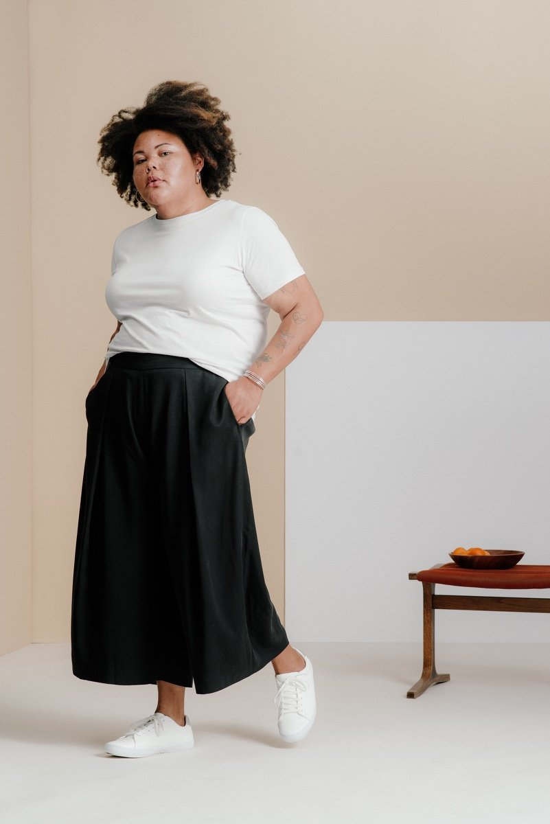 Best Plus-Size Minimalist Clothing Brands - And Comfort