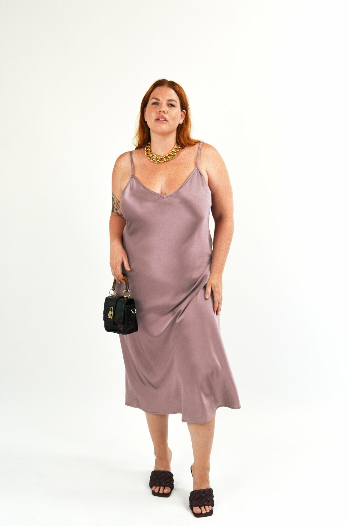 Best Plus-Size Minimalist Clothing Brands - BAACAL