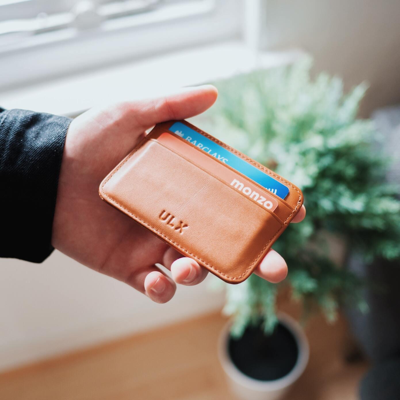 Minimalist Wallets for Men and Women